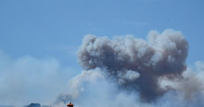 Снимка: Огромен пожар на Кран Канария, хиляди евакуирани