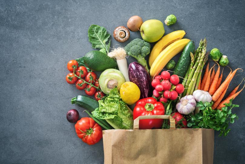<p><strong>Храна</strong></p>  <p>Вероятно сте чували за храни, пълни с пестициди, химикали и лекарствени вещества. Разбира се, ако си купувате по-скъпи продукти, нямате гаранция, че няма да попаднете на тях. Както предупреждават навсякъде &ndash; четете етикетите, но и не правете компромиси, заради цените.</p>