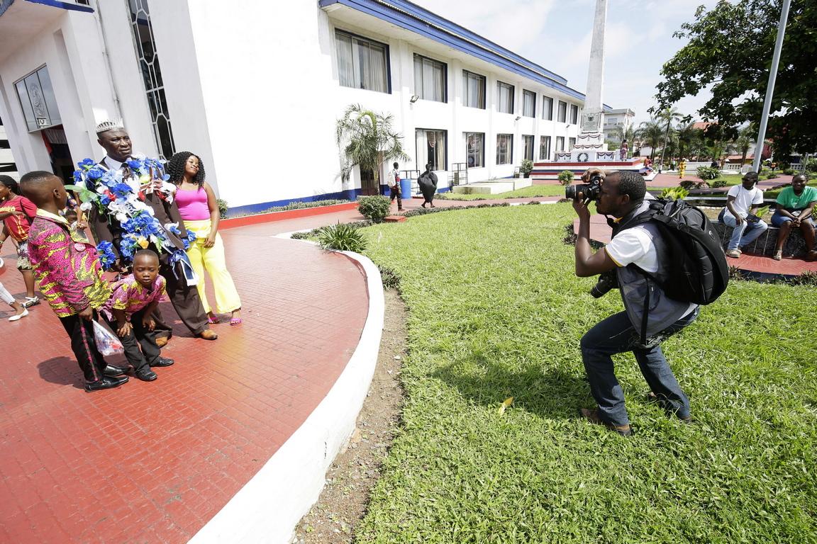 Либерийските фотографи се присъединяват към своите колеги по света, за да отпразнуват Световния ден на фотографията, който се отбелязва по целия свят на 19 август в чест на изкуството на фотографията.