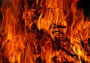 Край Летище София горя голям пожар