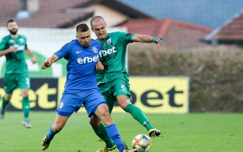 Лицензионната комисия към Българския футболен съюз съобщава, че отборите Витоша