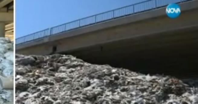 България Боклукът под