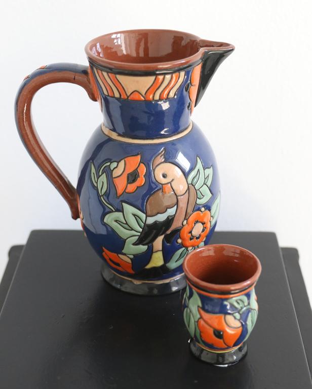 <p>Кана за вино с две чаши, средата на 40-те години на XX век от Милка Стоянова</p>