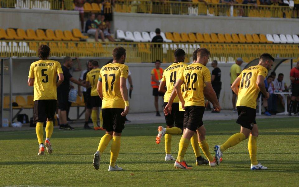 Футболистите на Ботев (Пловдив) са били призованида минат детектора на