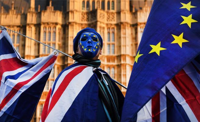 Британското правителство иска