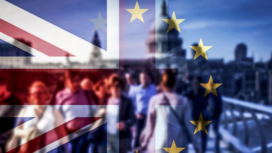 """Нов обрат за """"Брекзит"""", тежки удари за Борис Джонсън"""