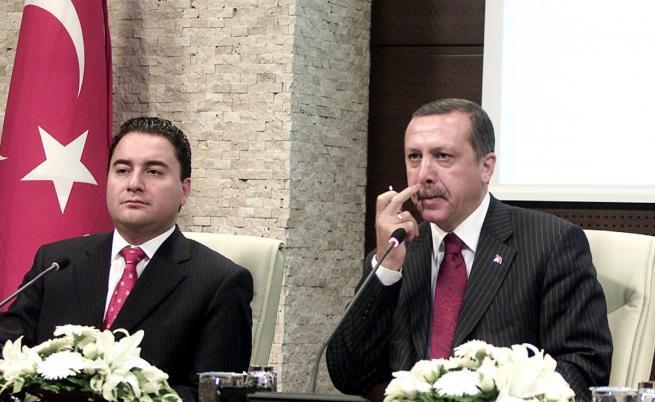 Турция: Нови отцепници, ще оцелее ли Ердоган