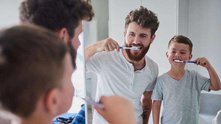 <p><strong>Миди на прах </strong>и други практики за <strong>&quot;миене&quot; на зъбите</strong> от миналото</p>
