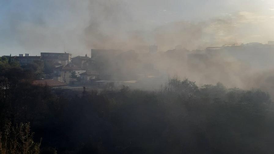 Пожарът в квартал Лозенец в Стара Загора