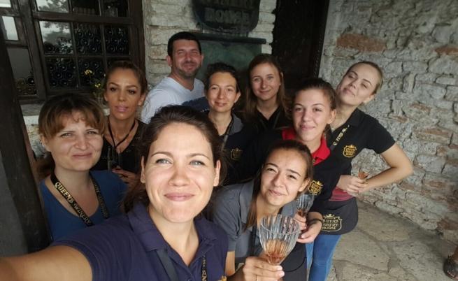 Анна и нейният екип