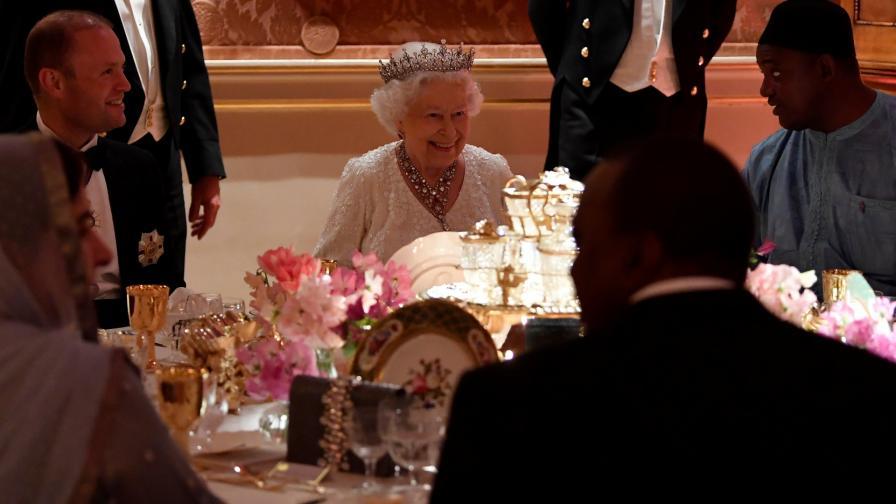 Кралица Елизабет II