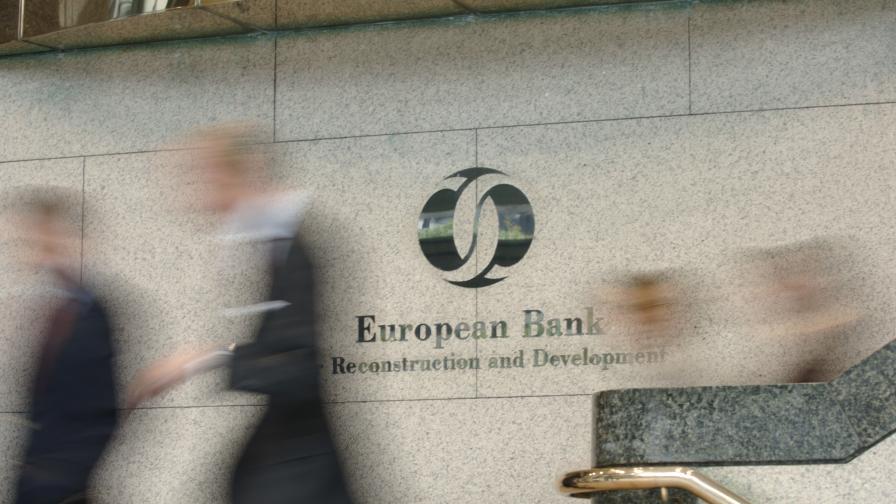 ЕБВР прогнозира срив с 5% на икономиката на България