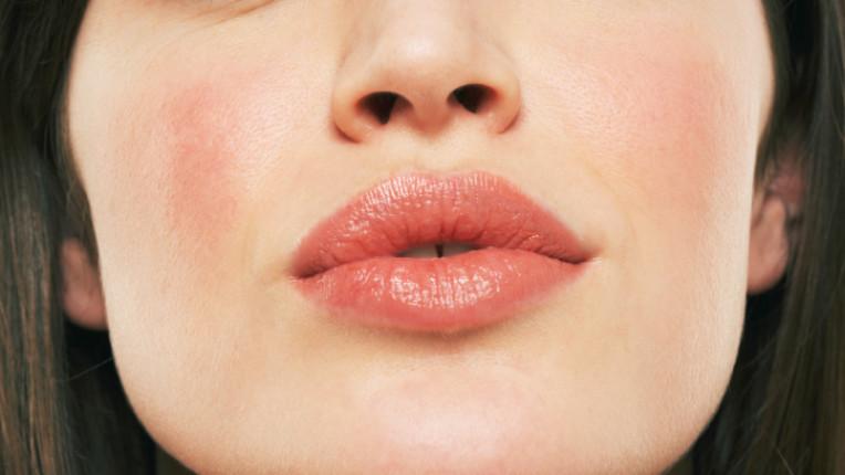 устни жена лице