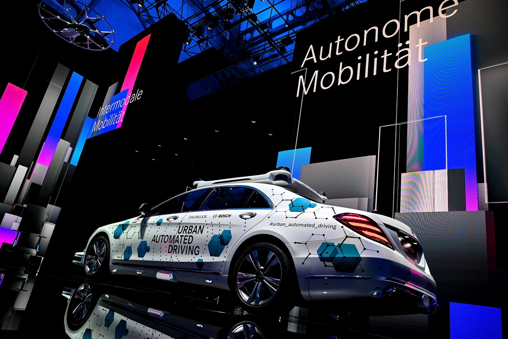 <p>Mercedes-Benz Urban Automated Driving</p>