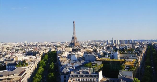 Париж...името му звучи като обещание. Че ще се срещнете някой