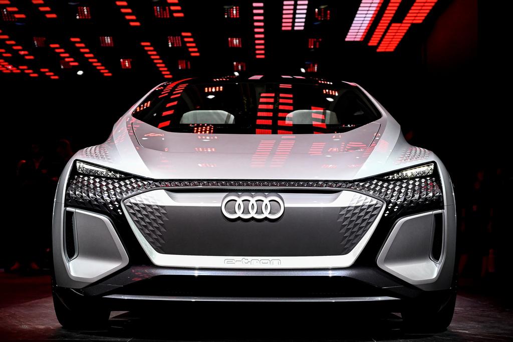 <p>Audi Sport e-tron</p>