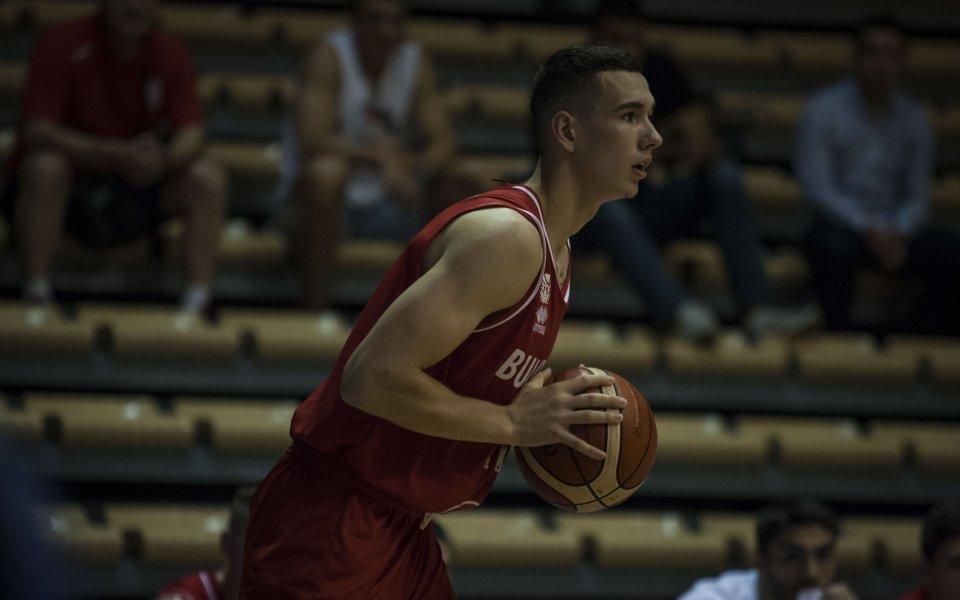 Йордан Минчев ще продължи кариерата си в Левски Лукойл