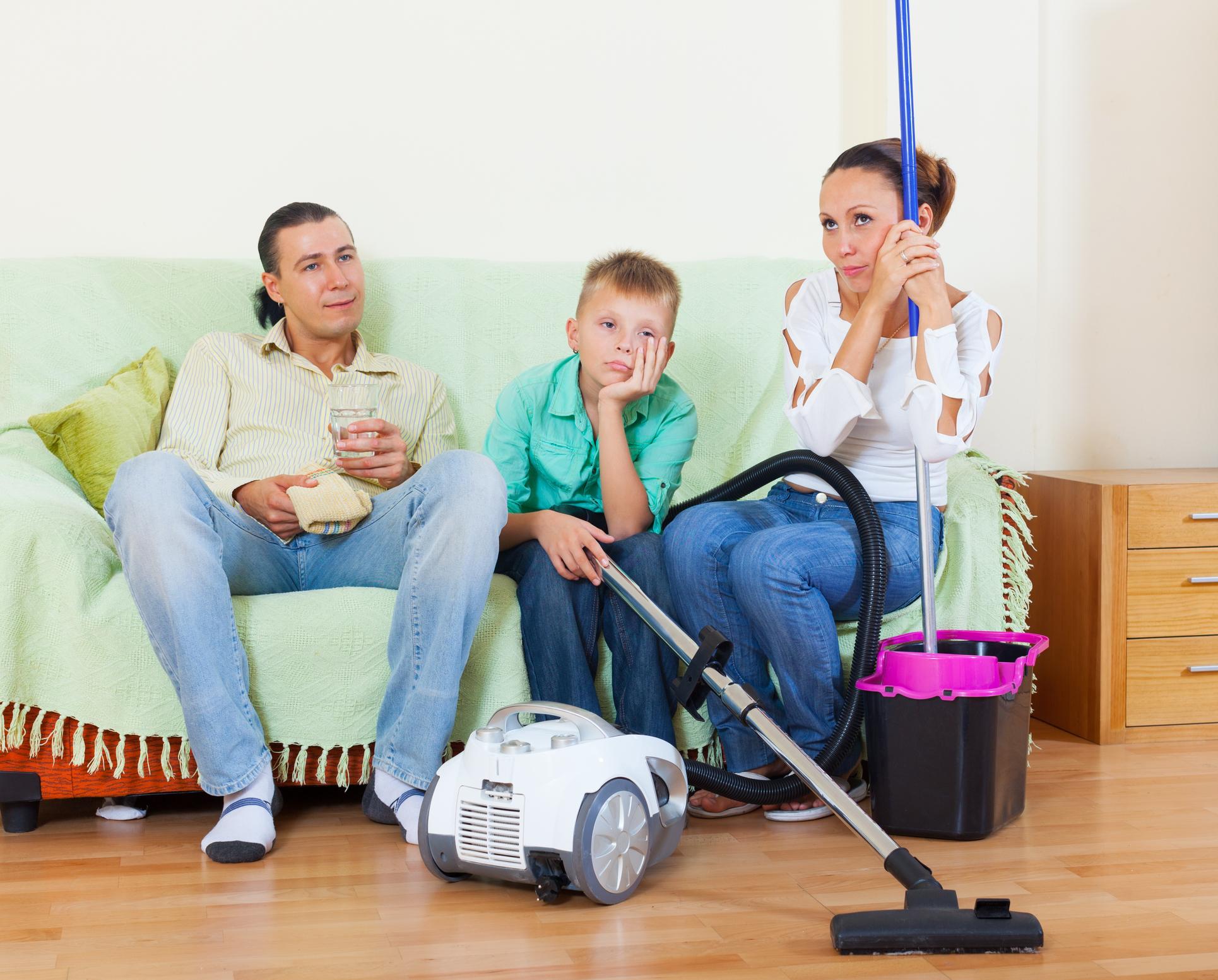 <p>Винаги давайте личен пример. Ако вие самите сте подредени, то възможността децата ви да бъдат също такива е... доста голяма. Ако във вашата спалня цари хаос, то най-вероятно и в детската стая няма да е&nbsp;пълен порядък.&nbsp;</p>
