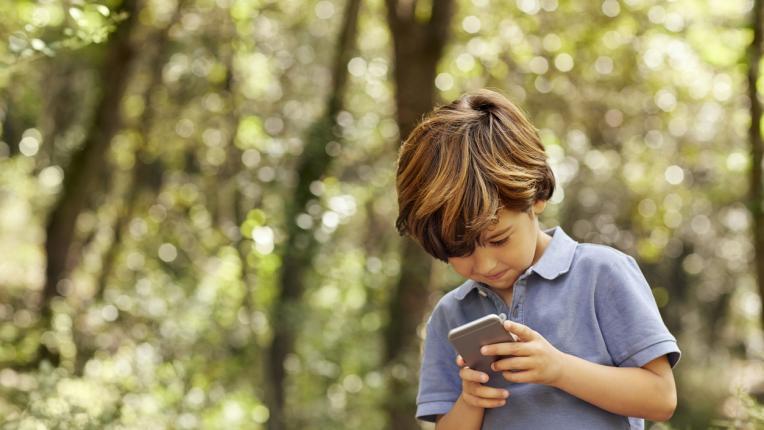 Как да предпазим тийнейджърите от смартфон депресия?