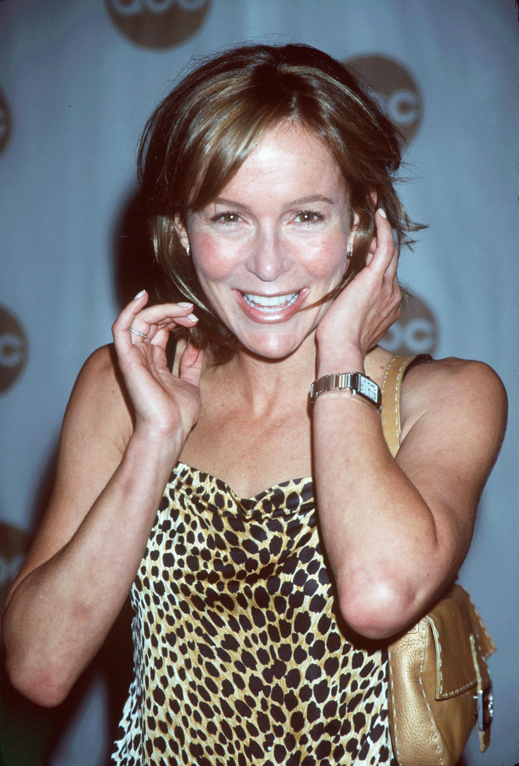 <p>Дженифър Грей, която стана известна с ролята си във филма &quot;Мръсни танци&quot;, където партнираше на Патрик Суейзи.</p>