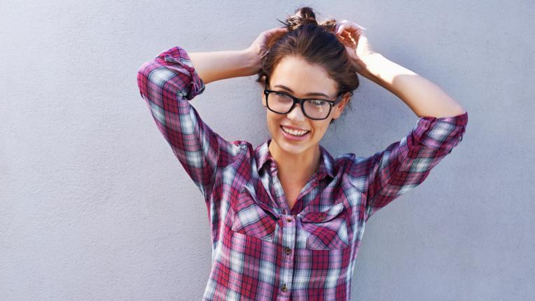 Като ученичка: 8 варианта да носиш модерното каре тази есен