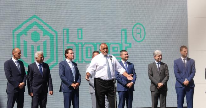 България Борисов: Откривам завод след завод по време на рецесия