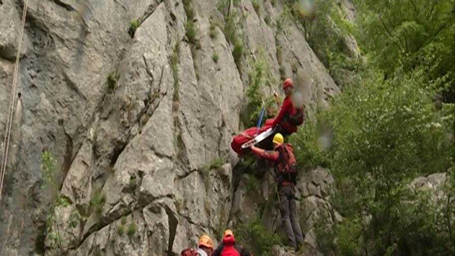 При какви условия работят планинските ни спасители