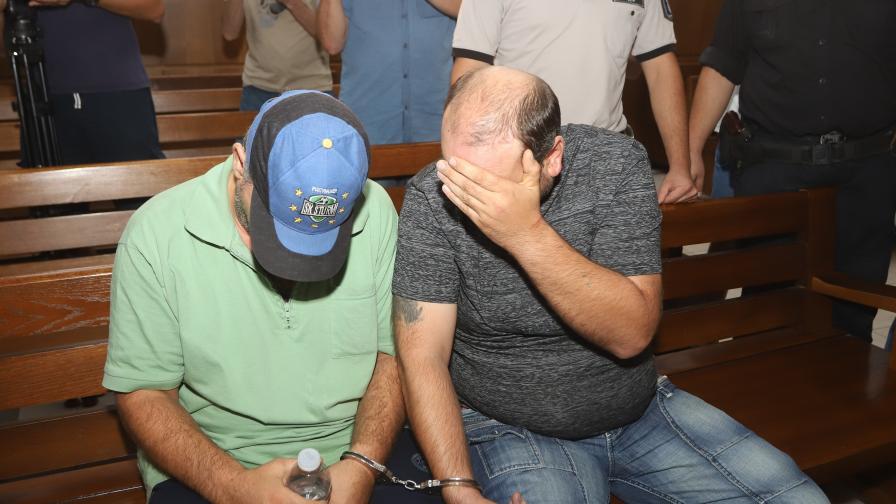 Вероятни психопати, обвинени за убийства в...