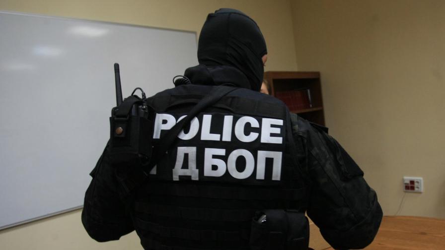 <p>Шампион по борба е арестуван за тероризъм в Бургас</p>