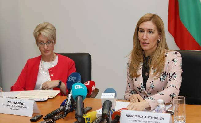 Ангелкова: Загубите на българските хотели са за милиони