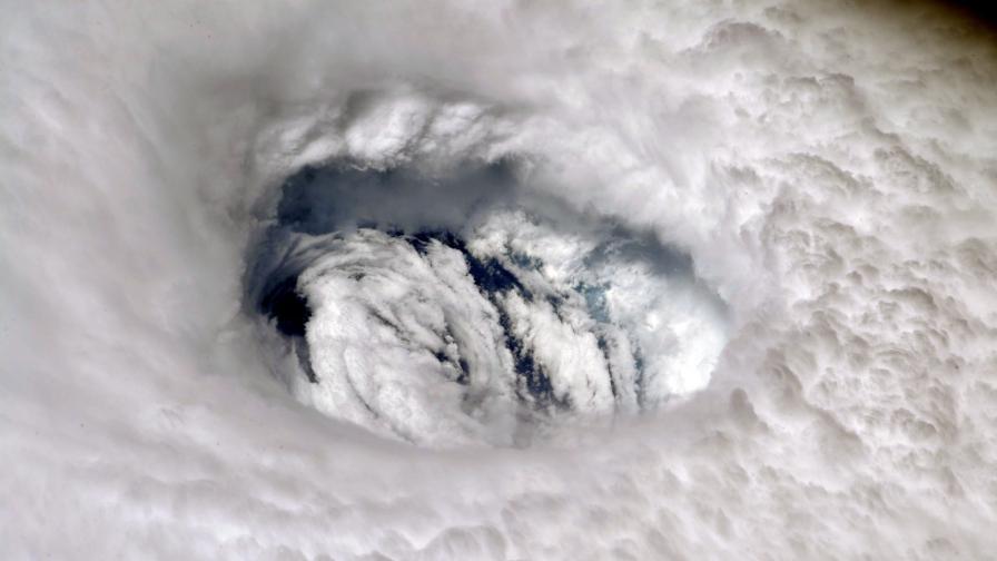 <p>Извънредно положение в Тексас заради урагана Хана</p>
