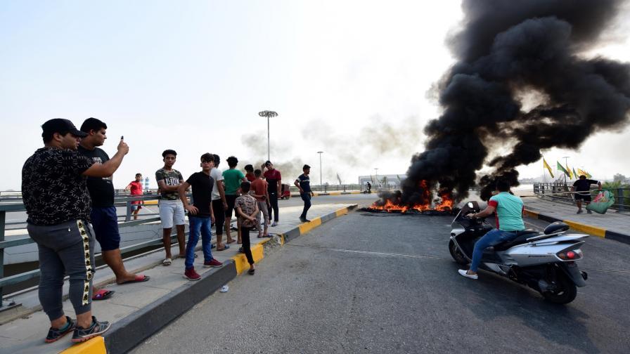 <p>Защо има протести в Ирак и кой седи зад тях</p>