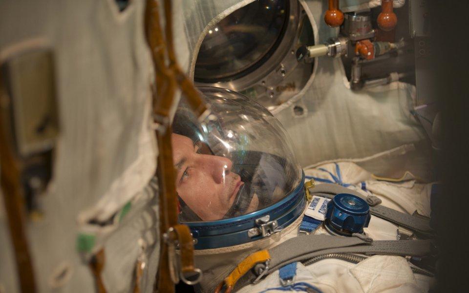 Астронавт ще гледа от космоса двубой от Световното по ръгби