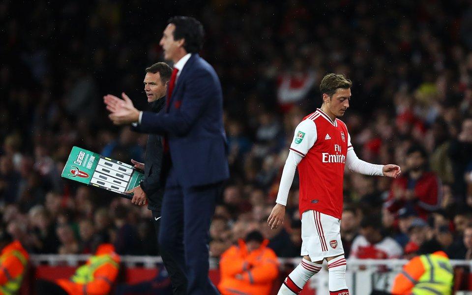 Емери не отстъпва: В Арсенал други заслужават повече шанс от Йозил