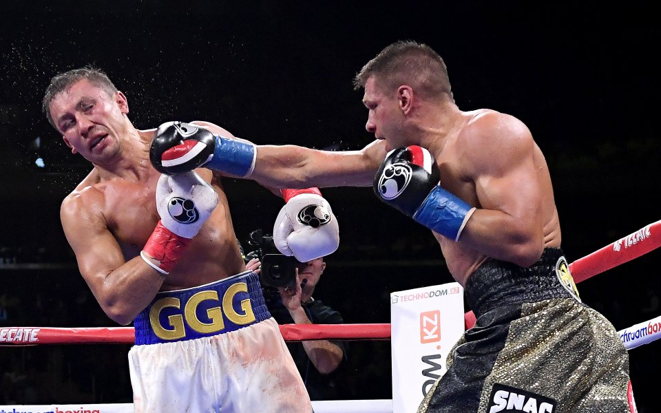 В събота вечерта Генадий Головкин победи Сергей Деревянченко с единодушно