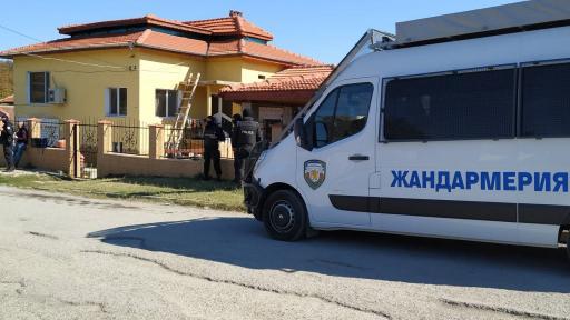 """Акцията срещу """"ало"""" измамници във Ветово"""