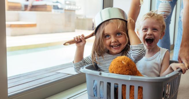 По-трудно или по-лесно се гледат две деца с малка разлика?