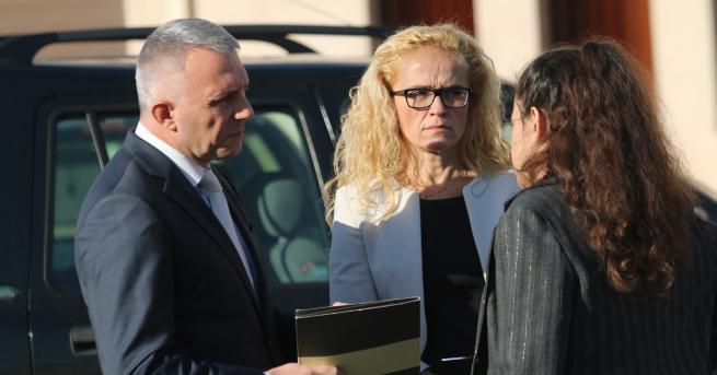 България Иванчева и Петрова поискаха отвод на съдиите Те са