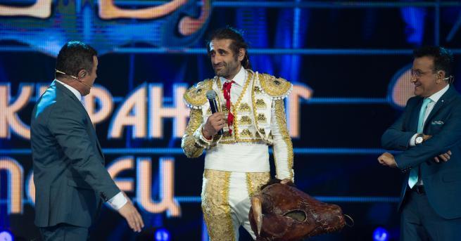 """Любопитно Филип Аврамов - """"Бикът"""", слезе от сцената на """"Маскирания"""