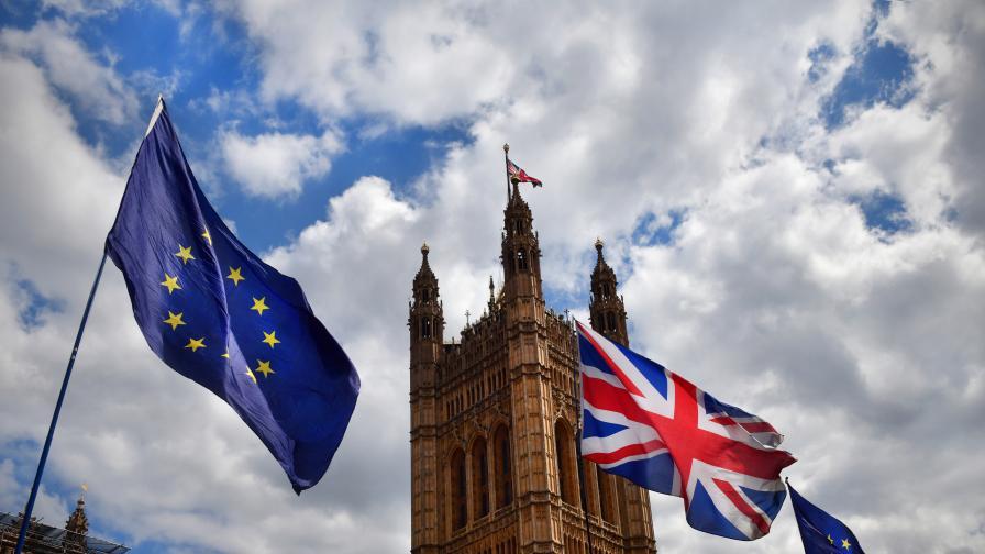 <p><strong>Кралица Елизабет II:</strong> Брекзит на 31 октомври е приоритет&nbsp; &nbsp;</p>