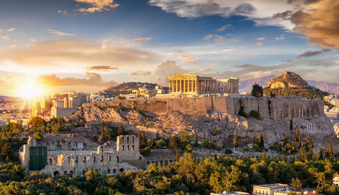 <p>Най-високата температура в Европа е измерена в Атина през 1977 г. - 48 &deg;C.</p>