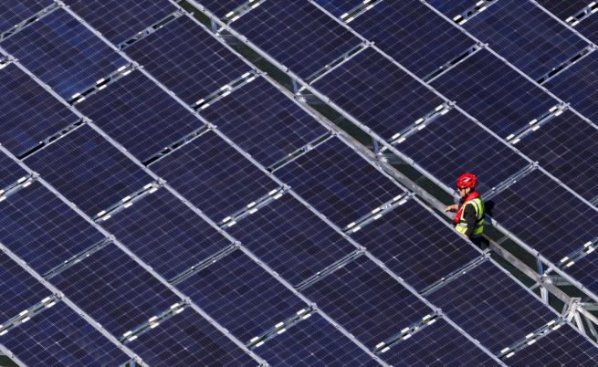 Възходът на ВЕИ в Европа: Чиста енергия или връщане към пещерите?