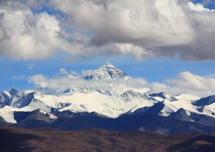 Колко е висок Еверест