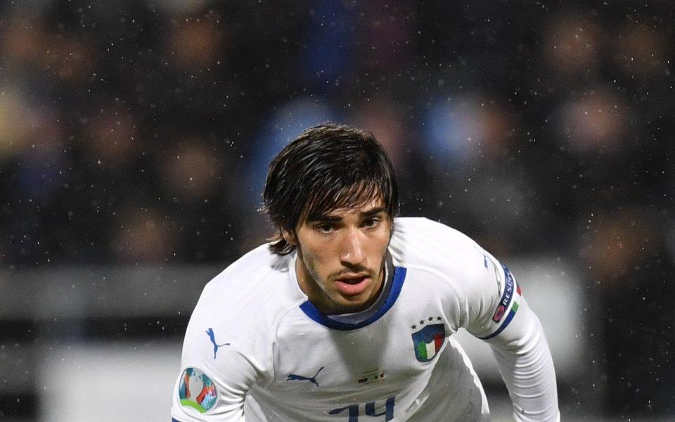 Полузащитникът на Бреша Сандро Тонали направи своя официален дебют с