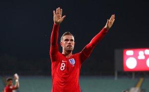 Какво лицемерие! Звезда на Англия предизвика нов скандал
