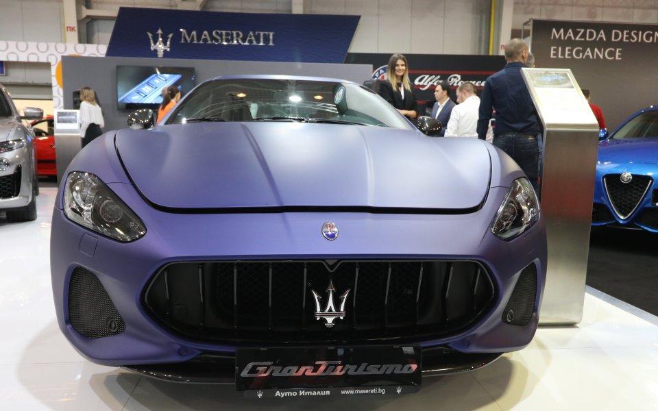 Лукс, класа и блясък лъхат от щанда на Maserati на