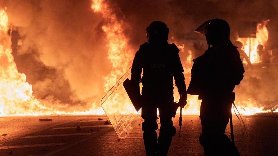 В Испания се бият, МВнР: Не ходете в Каталуния