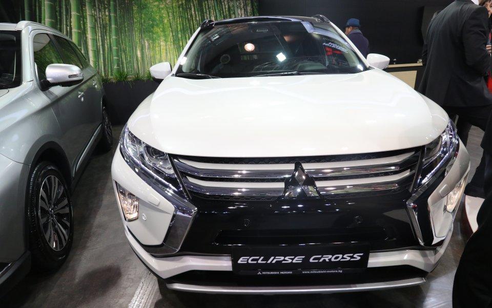 Японската марка Lexus успя да докара за софийското изложение, което