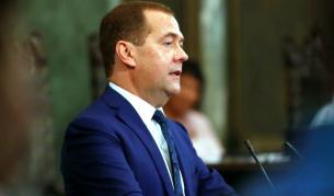 <p>Медведев: Европа е уморена от САЩ</p>