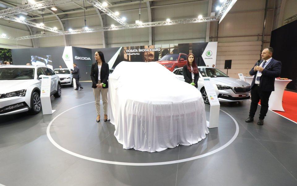 Skoda представи изцяло новото четвърто поколение Octavia, което е по-стилно